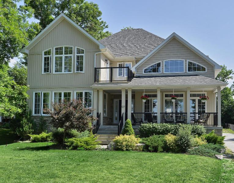Fine home with stunning views of Lake Simcoe