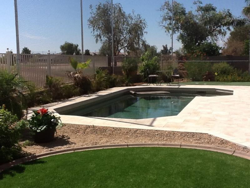 ARTIFICIAL Grass & 3 hole GREEN & POOL VIEW TO GOLF COURSE