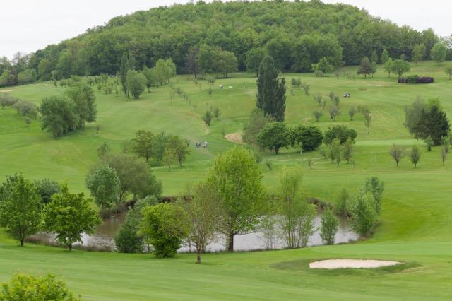 Apartment on golf course near Villeneuve sur Lot, vacation rental in Cancon