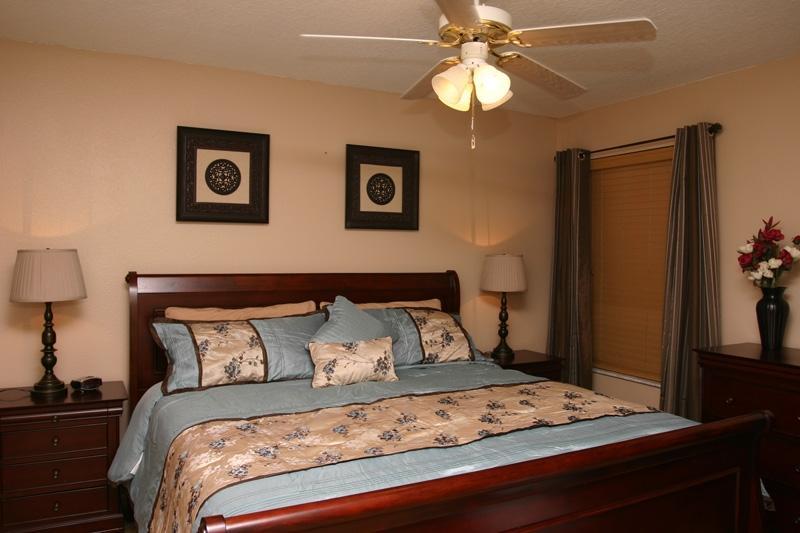King Master Bedroom 2