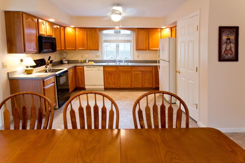 Spacious 22 x 14 Kitchen To Comfortably Host Lobster Fests And Clambakes!