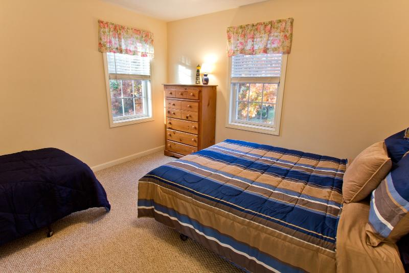 5th Bedroom With Queen & Twin bed
