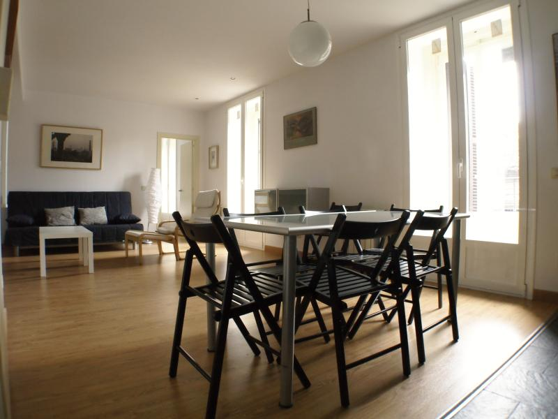 Plaza Mayor, Mecado San Miguel, 2bedrooms, 2bath, holiday rental in Madrid
