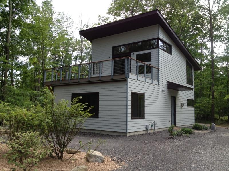 Privacy & Luxury @  Heart of Woodstock w/ Hot Tub, alquiler de vacaciones en Woodstock