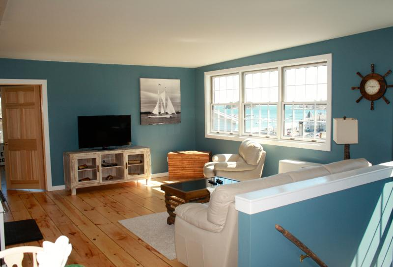 Camden Harborfront Loft, vacation rental in Hope