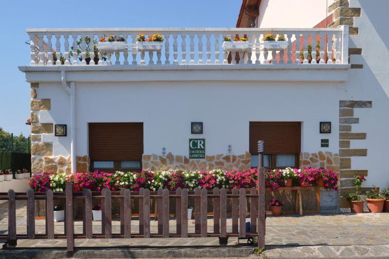 Casa Rural Iturritxo Landetxea para 12 personas, holiday rental in Zizurkil