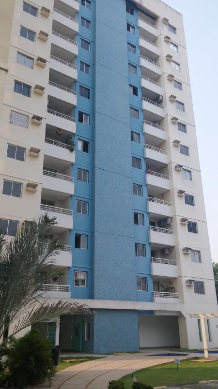 Facade of condiminio apartment on the eighth floor.
