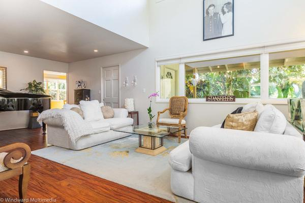 Main living area, tastefully decorated for you.