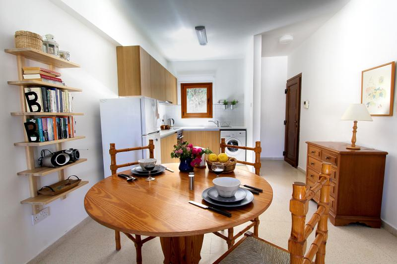 Skeleas Pissouri Apartment 1 (ground floor), holiday rental in Avdimou
