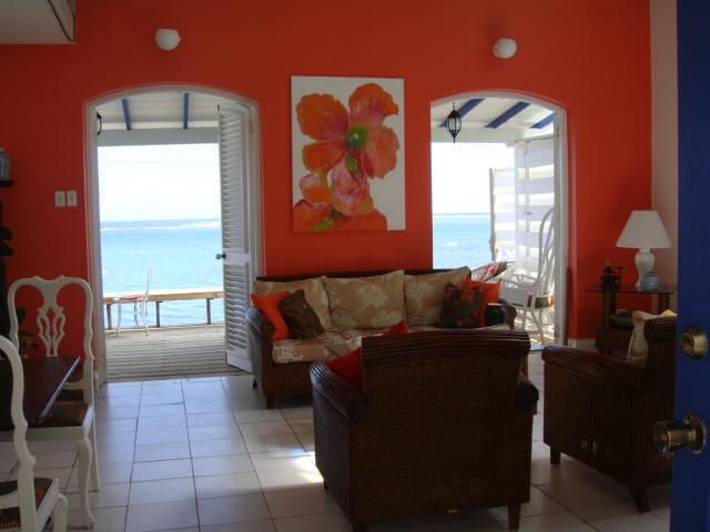 Caribbean Charm Mixed with Contemporary Simplicity, holiday rental in Heldens