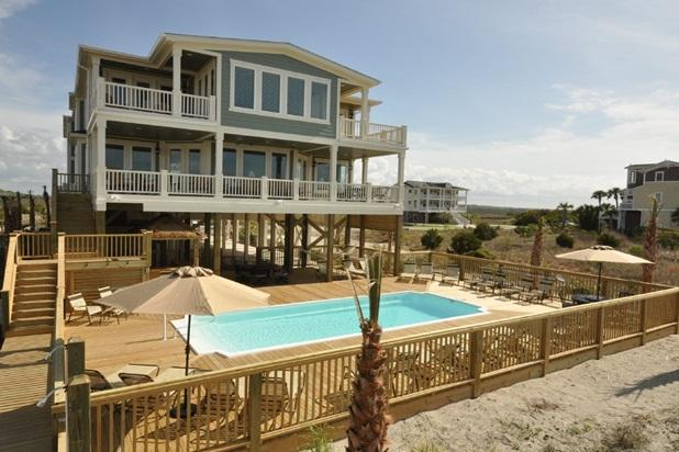 Oceanfront - 16 Bedrooms / 17 Bath-Sleeps 32 to 50, location de vacances à South Brunswick