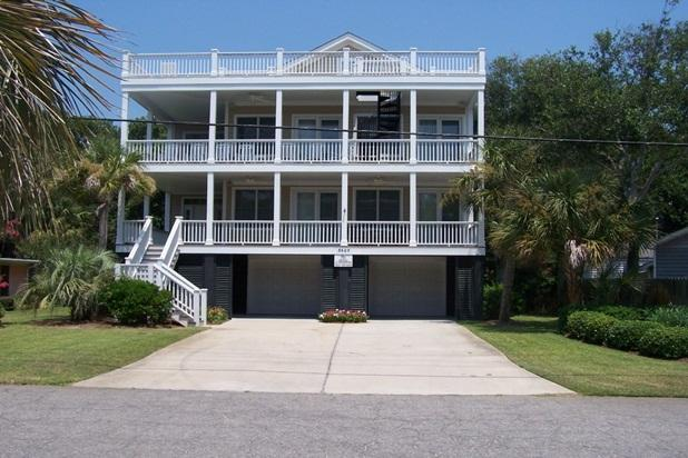 Ocean Views! Luxurious Vacation Home to Remember!, alquiler de vacaciones en Isle of Palms