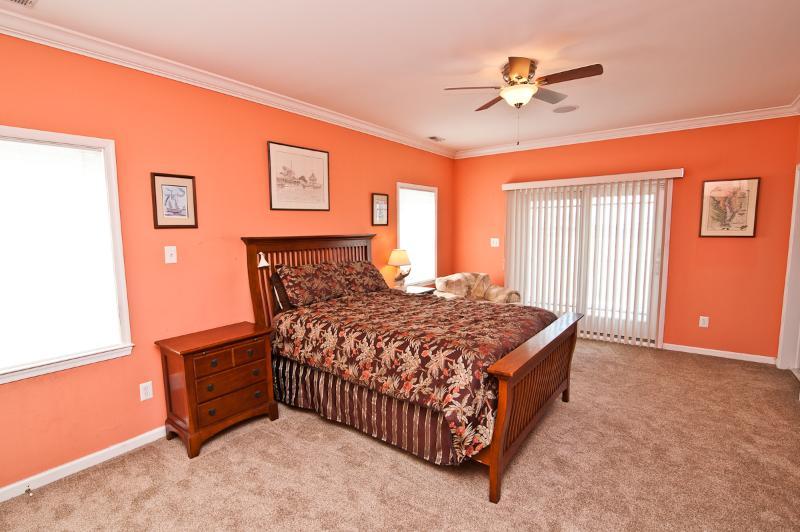 2nd Floor 2nd Master Bed Room!