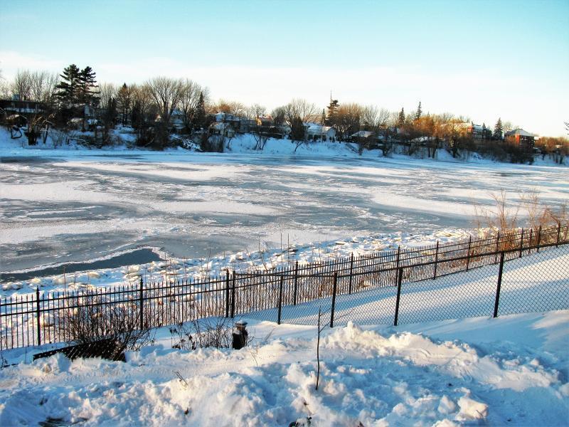 Plaisir d'hiver à la Villa Rivière Montréal