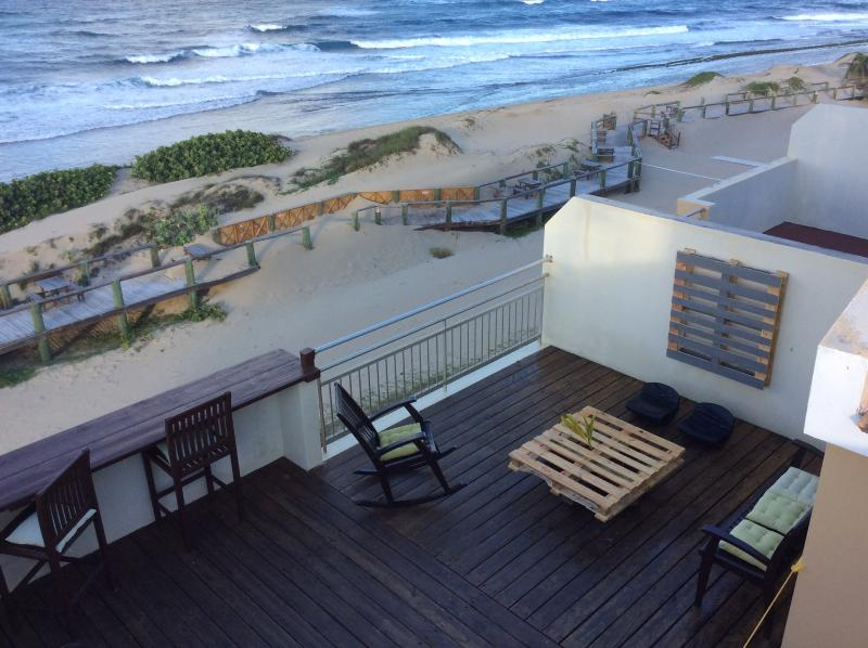 Lovely Ocean Front PH- At Jobos & close to Shackss, holiday rental in San Antonio