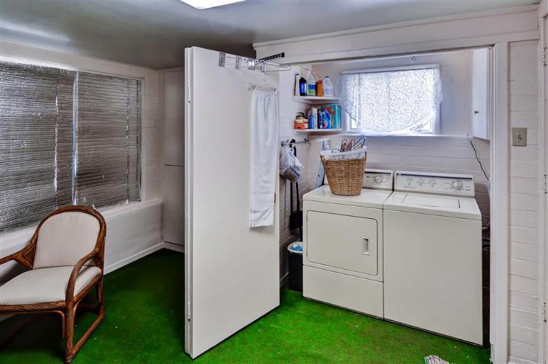 Dentro de la unidad de lavadora y secadora para su conveniencia