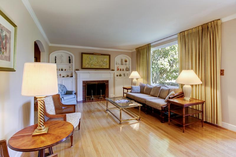 Elevate your D.C holiday at this 3-bedroom, 2.5-bathroom vacation rental home.