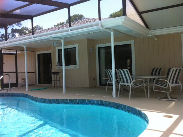 Villa with wonderful refreshing pool!  Take the plunge, email for availability!