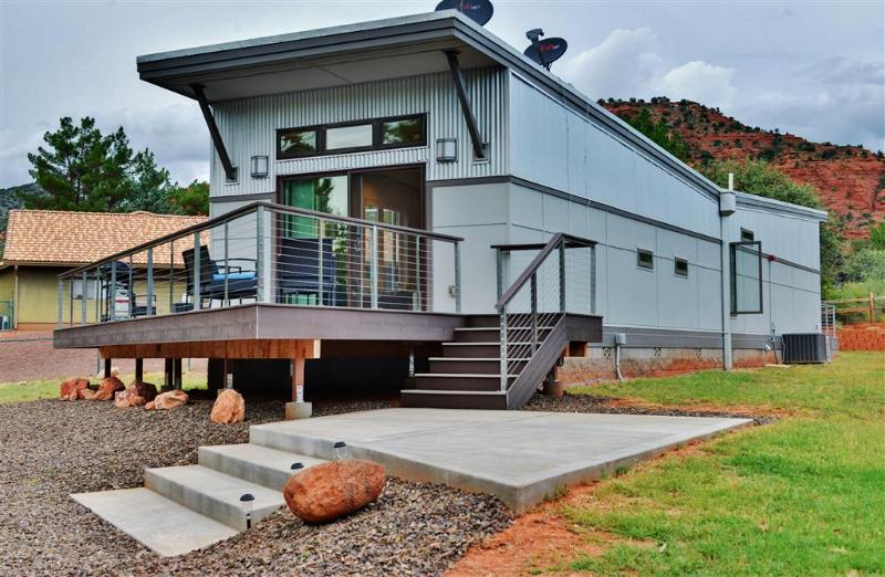 Let this contemporary Sedona vacation rental house serve as your home base for exploring sunny Arizona!