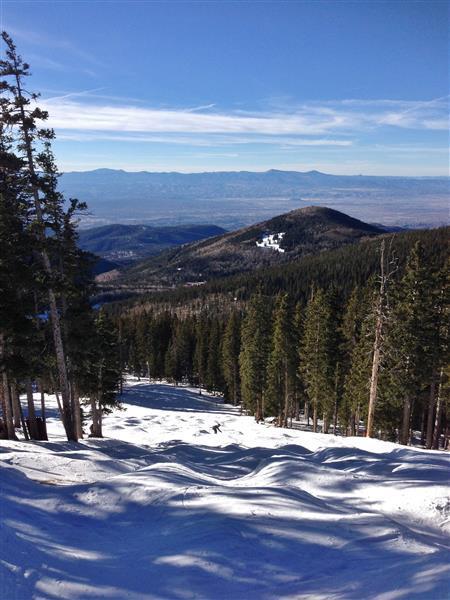 Divertiti a sciare sulla neve migliore che puoi trovare in New Mexico!