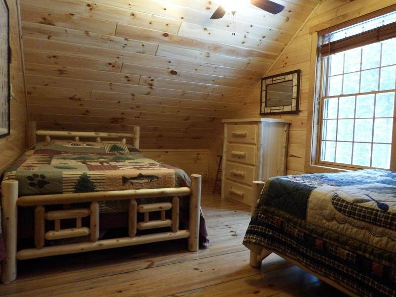 2nd Level Bedroom/2-Full Cedar Log Beds