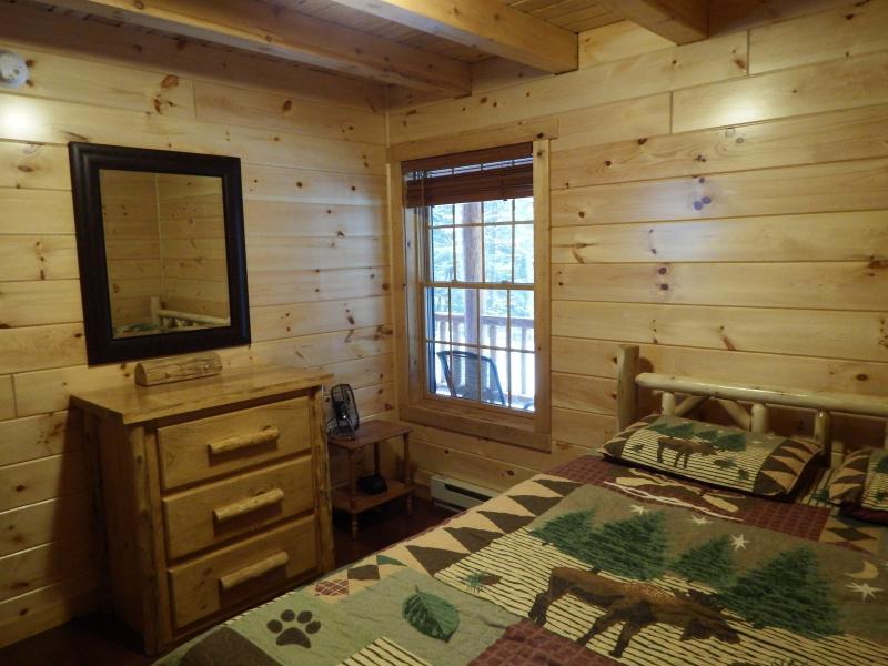 1st Level Bedroom/Queen Cedar Log Bed