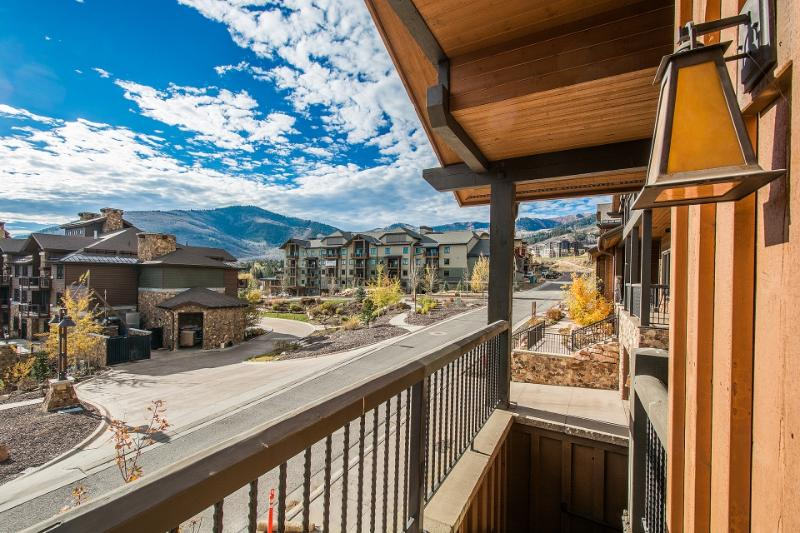 Step outside to one of the private decks to admire sensational mountain views.