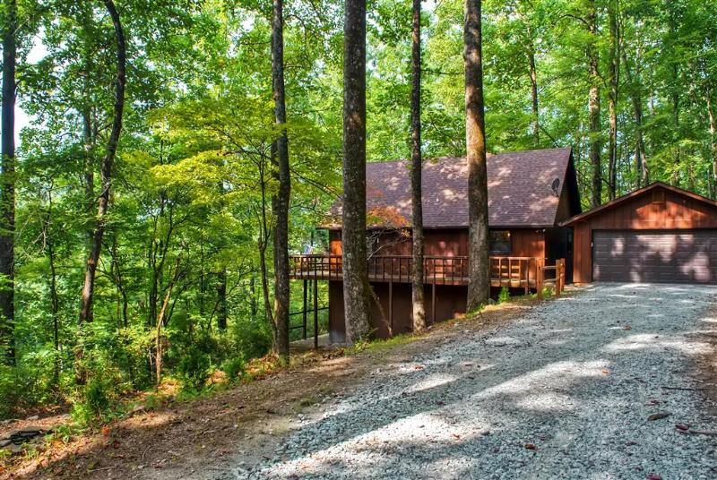 You'll find yourself in awe of this cabin's wonderfully serene setting