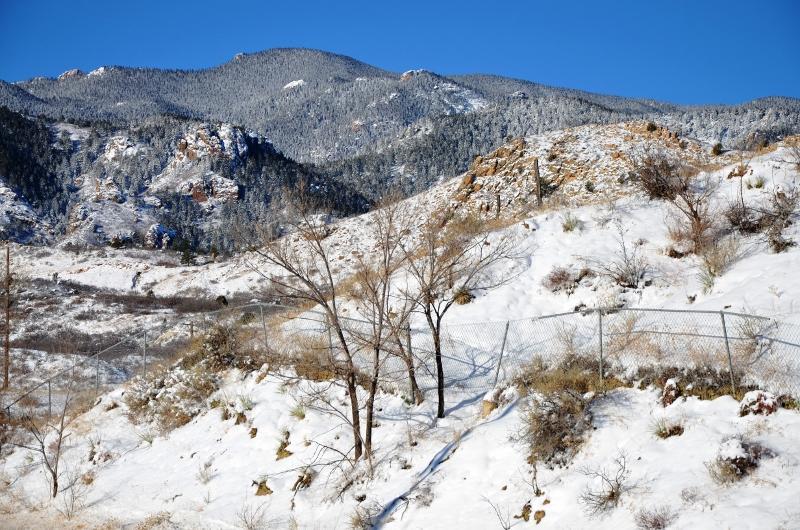 Situé juste en face de la rue est Red Rocks Canyon State Park.