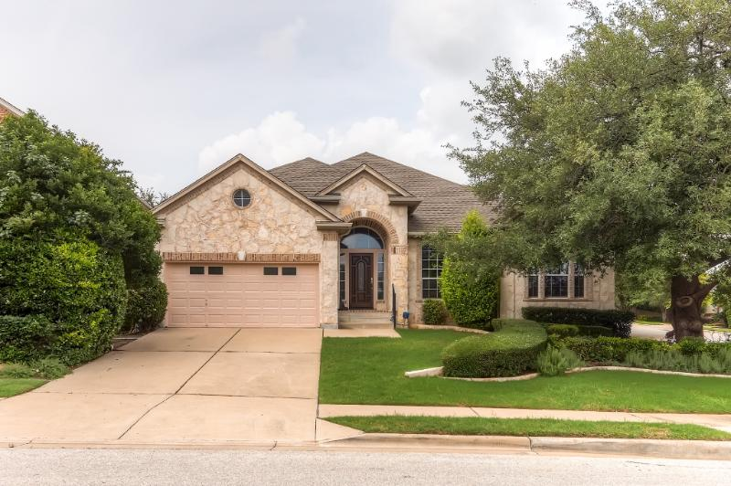 Welcome to this beautiful Round Rock vacation rental home!