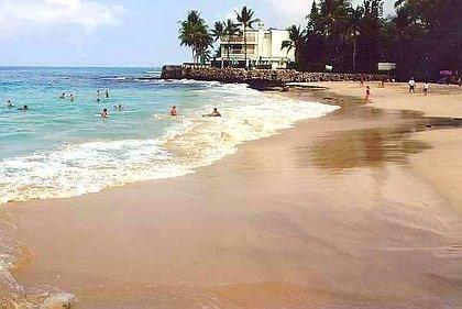 EASY ONE-BLOCK WALK TO MAGIC SANDS BEACH