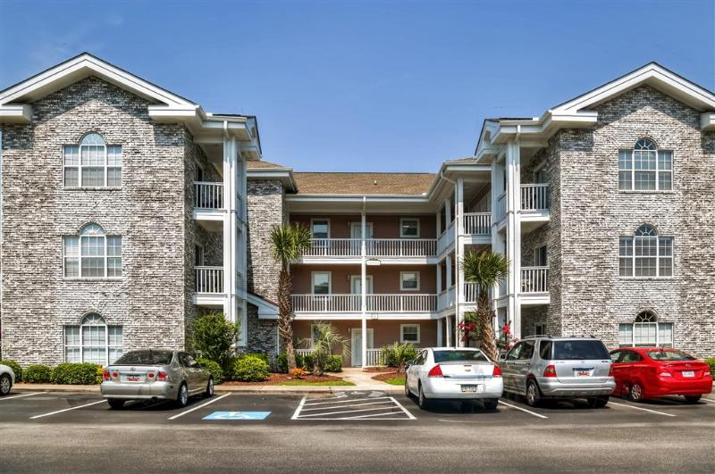 Come escape to this peaceful Myrtle Beach vacation rental condo!