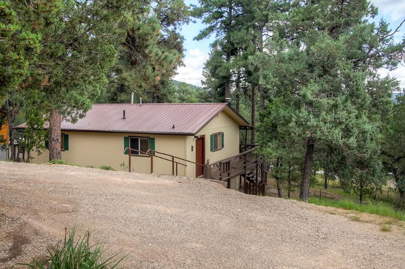 Nothing beats this remote Ruidoso abode located just 30 minutes from Ski Apache!