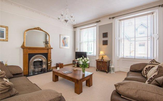 The Oystercatcher - Luxury apartment on High St, holiday rental in East Lothian