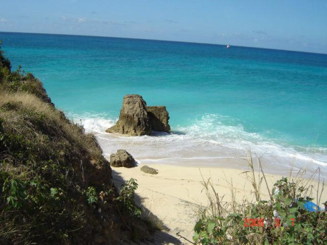 lots of natural unspoiled beaches and Copecoy is one of the best.