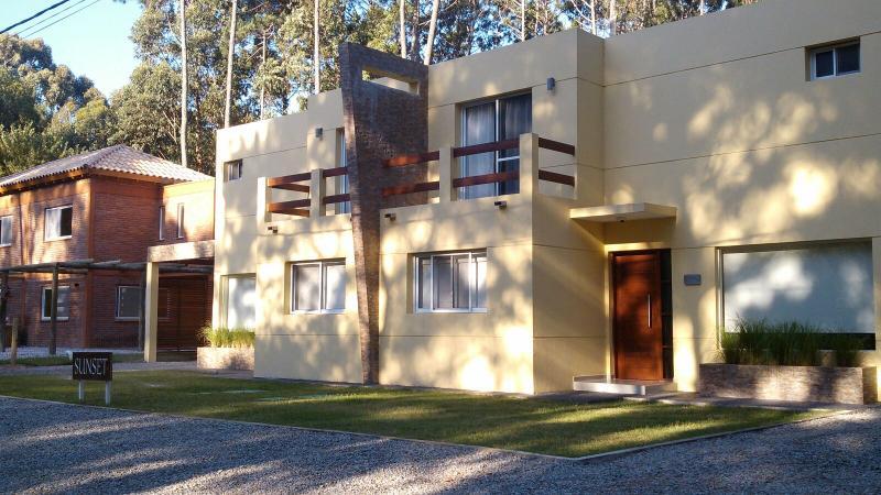 SUNSET HOME - SOLANAS - PUNTA DEL ESTE - URUGUAY, location de vacances à Maldonado Department