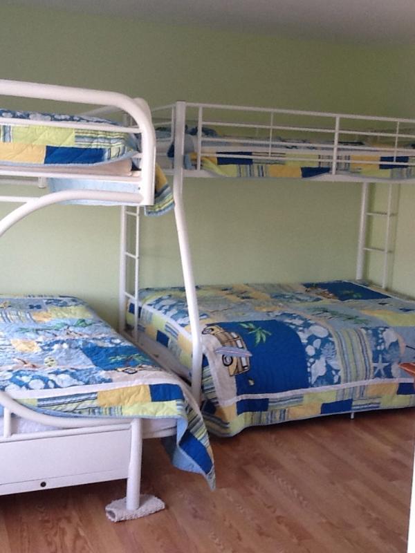 Bunk Room (3 bedroom)