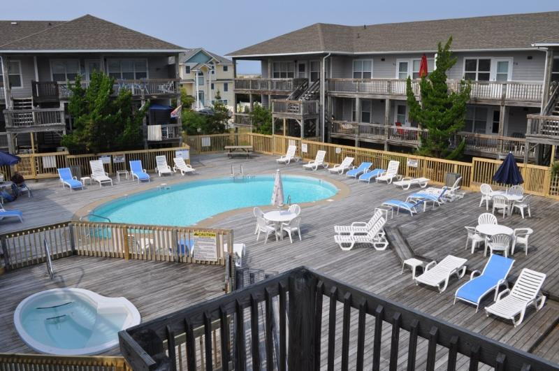 Pool & Hot Tub open 4/20-5/31   Pool only  6/1-8/22
