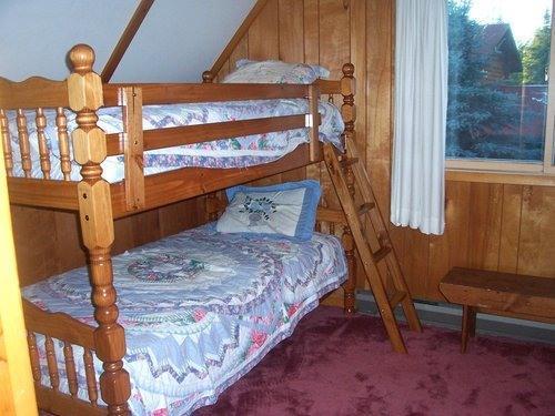 2nd floor bunk bedroom