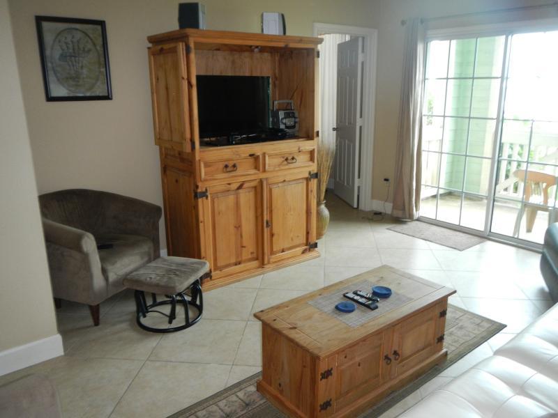 Spacious Living Area, Open Floor Plan, 825 SF, Views As Far As the Eye Can See
