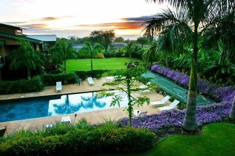 Amazing Ohana Retreat on the Big Island 8 bedrooms, vacation rental in Island of Hawaii