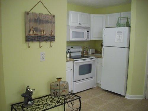 Entrance Area and Kitchen