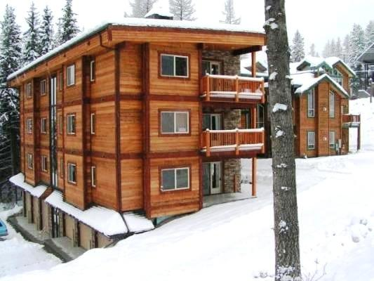 Ground-level located across street from Lifts & Village! Patio & Slope Views!