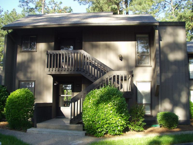 Our St. Andrews Condo. Less than 1 mi. to PCC & opposite the Historic Race Track