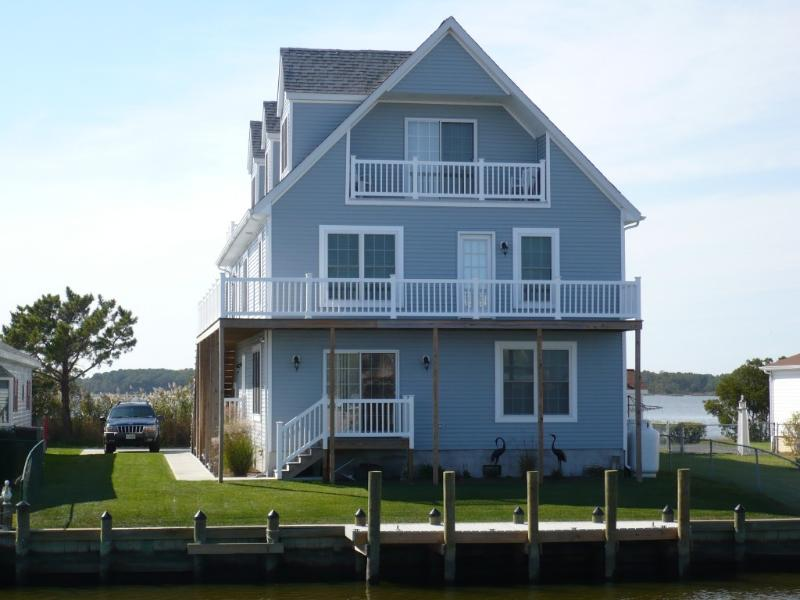Upscale Waterfont Home with Elevator gone Green -, alquiler de vacaciones en Selbyville