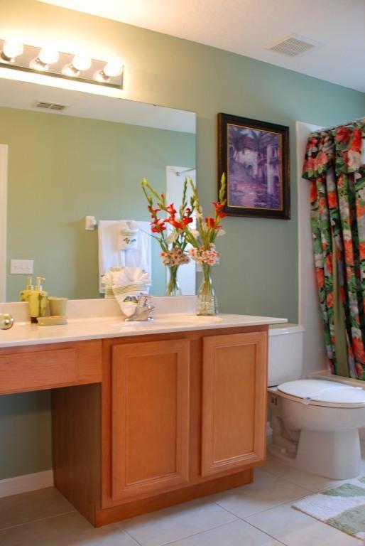 Master Bedroom 1 Bathroom
