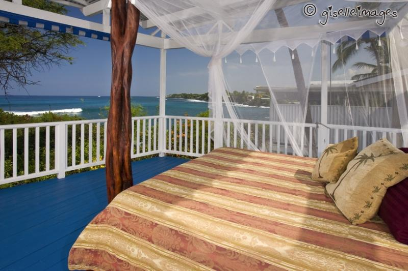 Oceanside King Bed