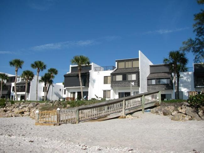 Two-Story Condo with Roof Deck, holiday rental in Manasota Key