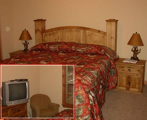 Each Bedroom has King-Size bed, Cable TV, and a DVD player