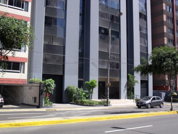 Miraflores Apartment  - Lima, Peru, location de vacances à Lima